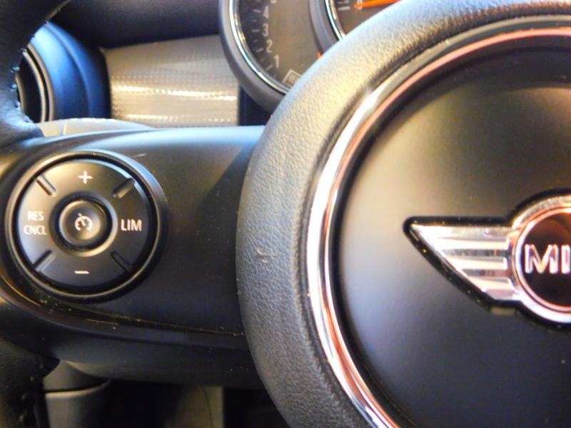 Photo 14 de l'offre de MINI Mini 5 Portes Cooper 136ch Blackfriars BVA à 22990€ chez Autovia Véhicules Multimarques