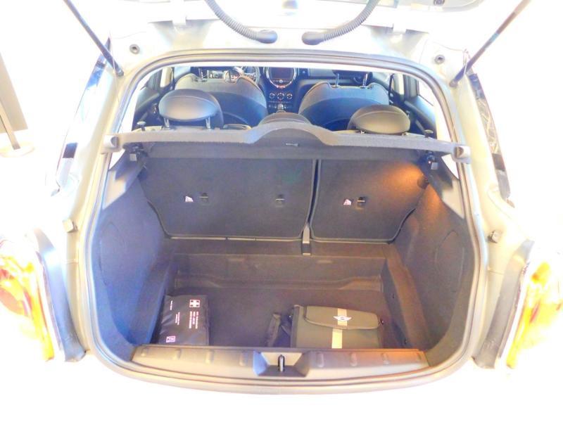 Photo 4 de l'offre de MINI Mini 5 Portes Cooper 136ch Blackfriars BVA à 22990€ chez Autovia Véhicules Multimarques