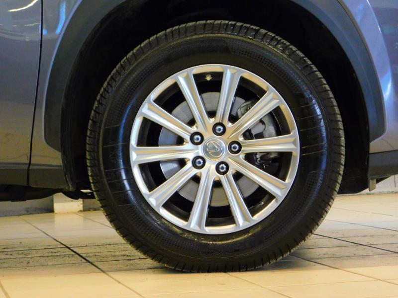 Photo 5 de l'offre de LEXUS NX 300h 2WD Pack Business à 24990€ chez Autovia Véhicules Multimarques