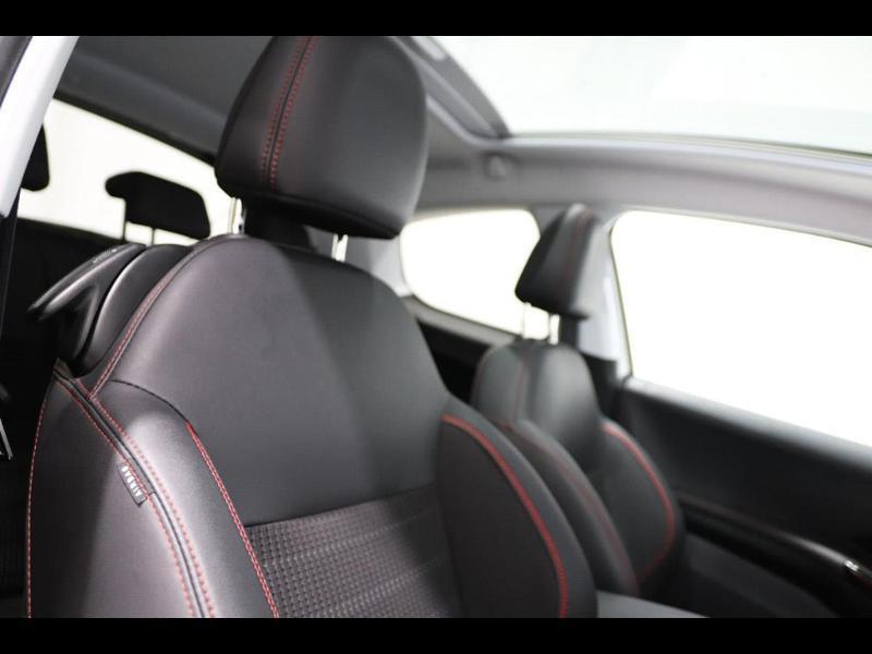 Photo 9 de l'offre de PEUGEOT 208 1.6 BlueHDi 100ch GT Line 3p à 16500€ chez Autovia Véhicules Multimarques