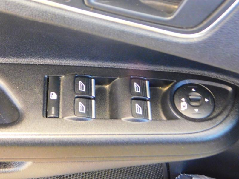 Photo 11 de l'offre de FORD B-MAX 1.0 SCTi 100ch EcoBoost Stop&Start Edition à 9890€ chez Autovia Véhicules Multimarques