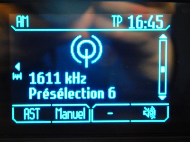 Photo 16 de l'offre de FORD B-MAX 1.0 SCTi 100ch EcoBoost Stop&Start Edition à 9890€ chez Autovia Véhicules Multimarques