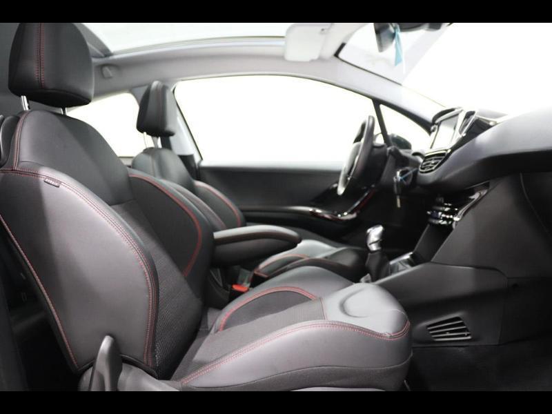 Photo 8 de l'offre de PEUGEOT 208 1.6 BlueHDi 100ch GT Line 3p à 16500€ chez Autovia Véhicules Multimarques