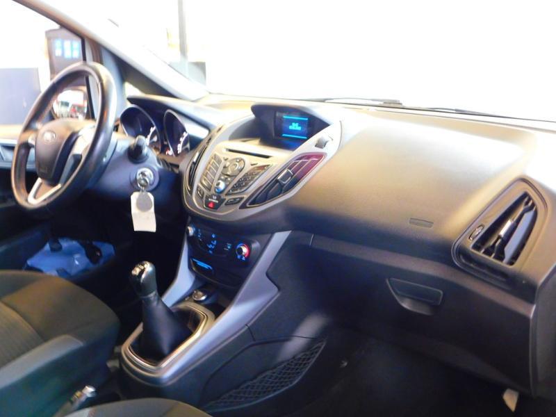 Photo 8 de l'offre de FORD B-MAX 1.0 SCTi 100ch EcoBoost Stop&Start Edition à 9890€ chez Autovia Véhicules Multimarques