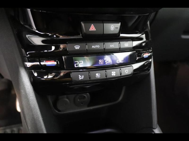 Photo 20 de l'offre de PEUGEOT 208 1.6 BlueHDi 100ch GT Line 3p à 16500€ chez Autovia Véhicules Multimarques
