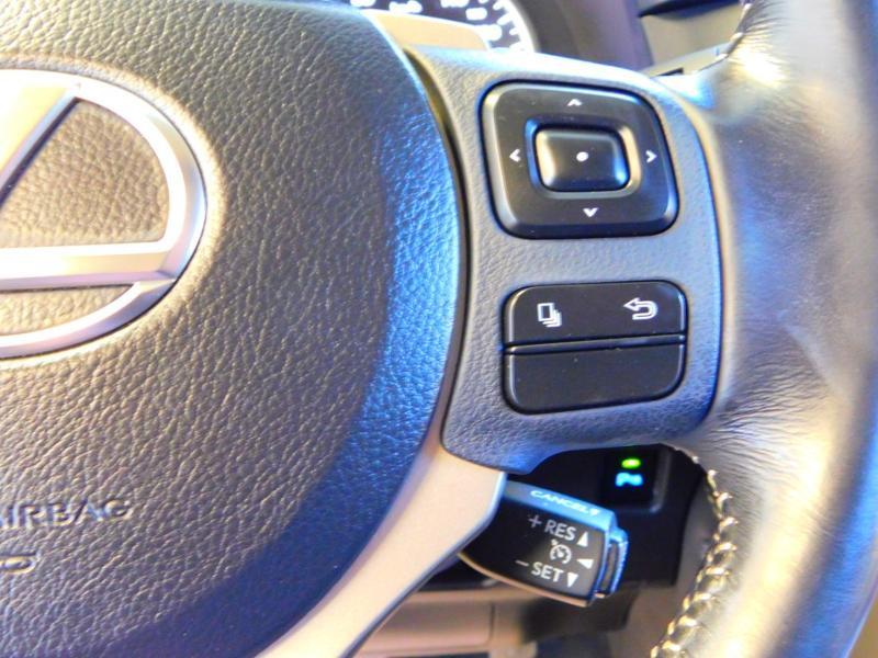 Photo 17 de l'offre de LEXUS NX 300h 2WD Pack Business à 24990€ chez Autovia Véhicules Multimarques