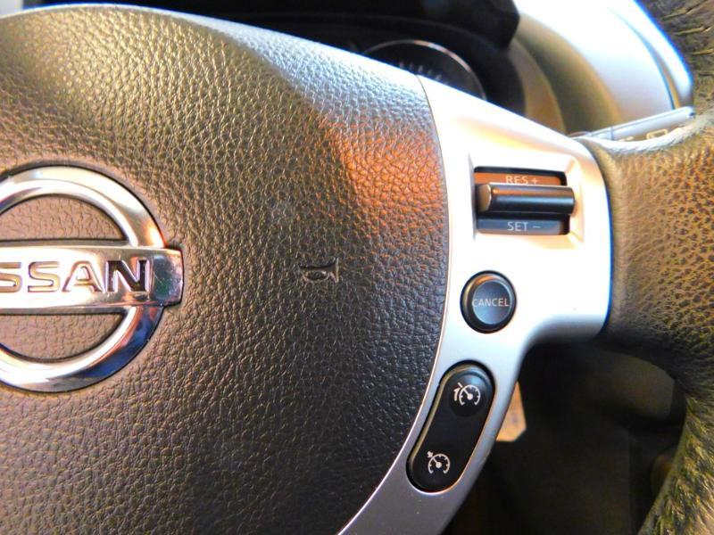 Photo 13 de l'offre de NISSAN Qashqai 1.5 dCi 110ch FAP Connect Edition à 10990€ chez Autovia Véhicules Multimarques