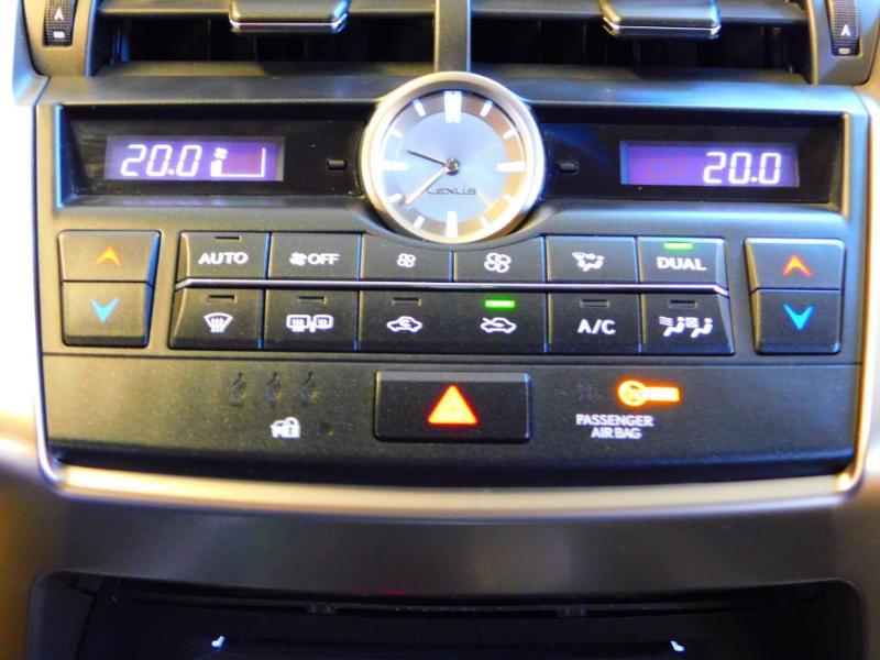 Photo 20 de l'offre de LEXUS NX 300h 2WD Pack Business à 24990€ chez Autovia Véhicules Multimarques