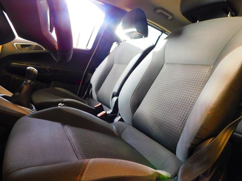Photo 9 de l'offre de FORD B-MAX 1.0 SCTi 100ch EcoBoost Stop&Start Edition à 9890€ chez Autovia Véhicules Multimarques