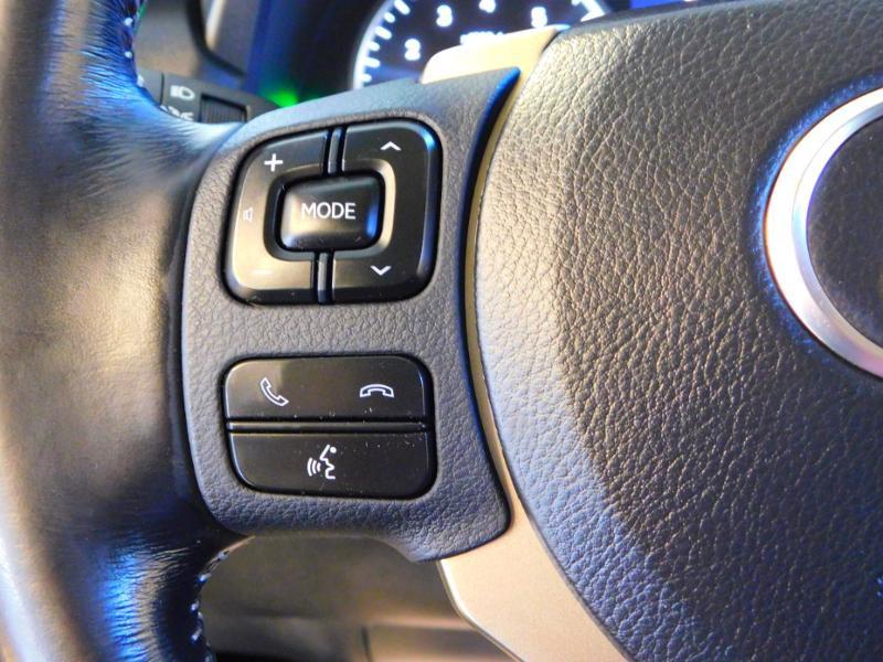 Photo 16 de l'offre de LEXUS NX 300h 2WD Pack Business à 24990€ chez Autovia Véhicules Multimarques