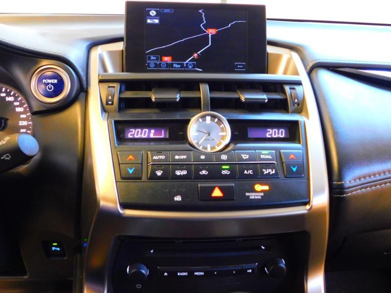 Photo 19 de l'offre de LEXUS NX 300h 2WD Pack Business à 24990€ chez Autovia Véhicules Multimarques