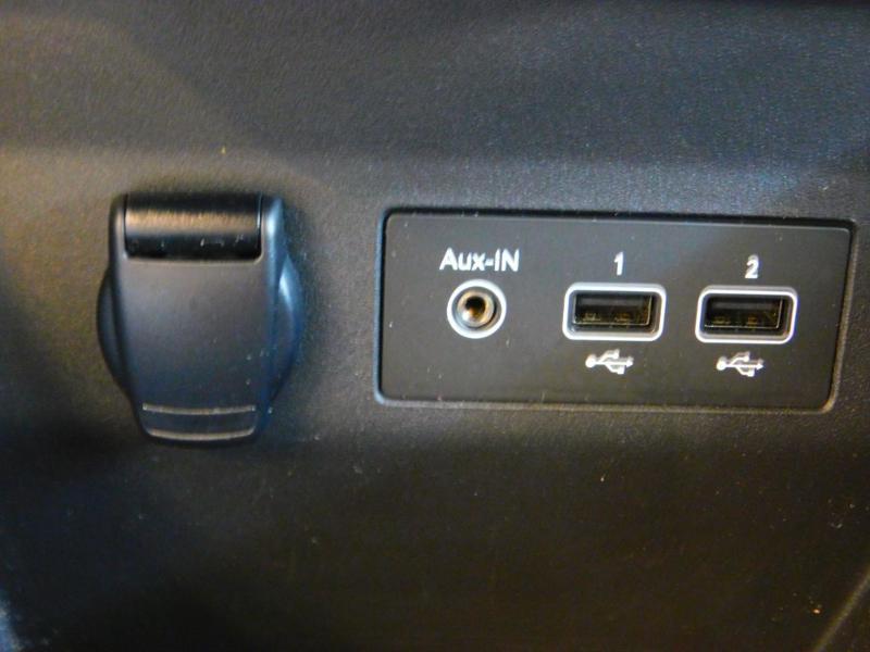 Photo 18 de l'offre de RENAULT Clio 1.0 TCe 100ch Zen à 13990€ chez Autovia Véhicules Multimarques