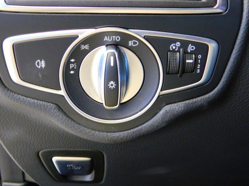 Photo 14 de l'offre de MERCEDES-BENZ GLC 250 d 204ch Executive 4Matic 9G-Tronic à 37900€ chez Autovia Véhicules Multimarques