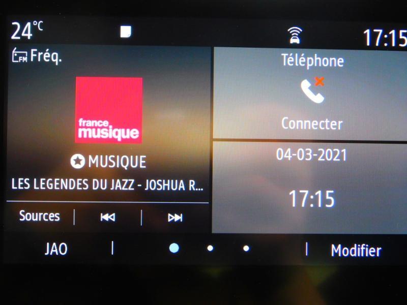 Photo 19 de l'offre de RENAULT Clio 1.0 TCe 100ch Zen à 13990€ chez Autovia Véhicules Multimarques