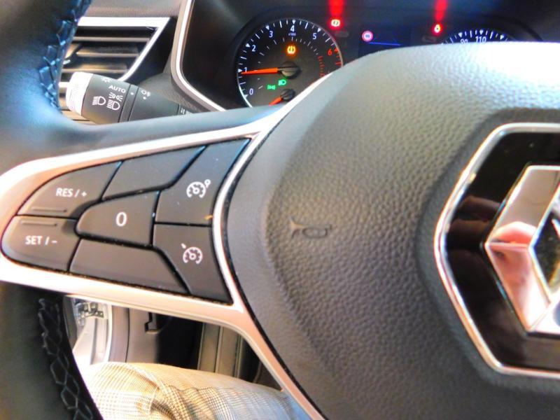 Photo 14 de l'offre de RENAULT Clio 1.0 TCe 100ch Zen à 13990€ chez Autovia Véhicules Multimarques