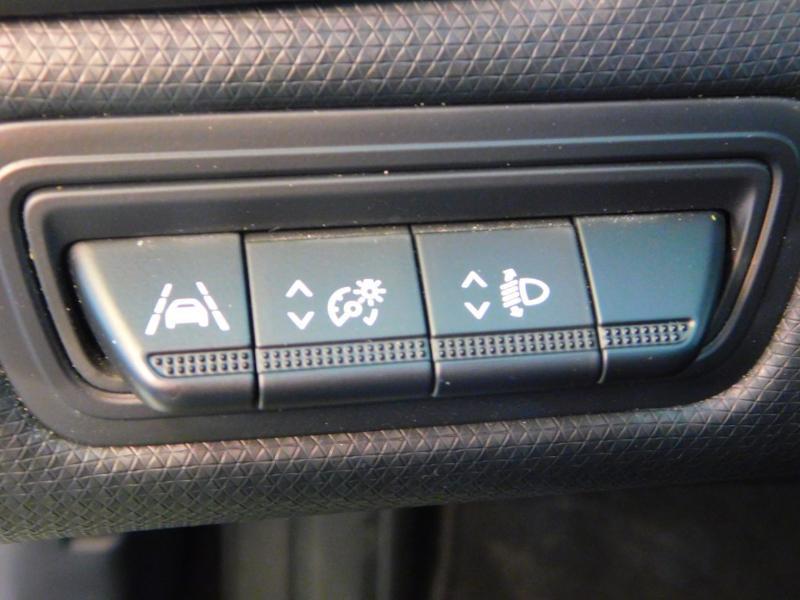 Photo 12 de l'offre de RENAULT Clio 1.0 TCe 100ch Zen à 13990€ chez Autovia Véhicules Multimarques