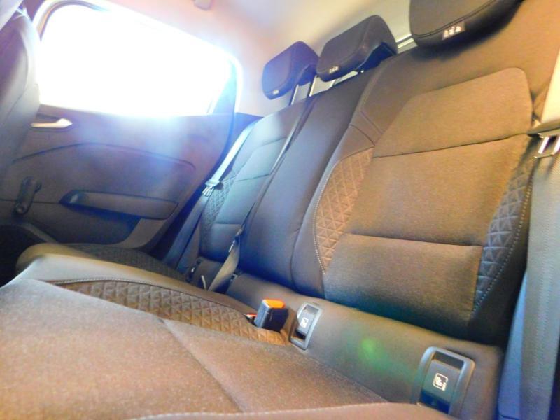 Photo 11 de l'offre de RENAULT Clio 1.0 TCe 100ch Zen à 13990€ chez Autovia Véhicules Multimarques