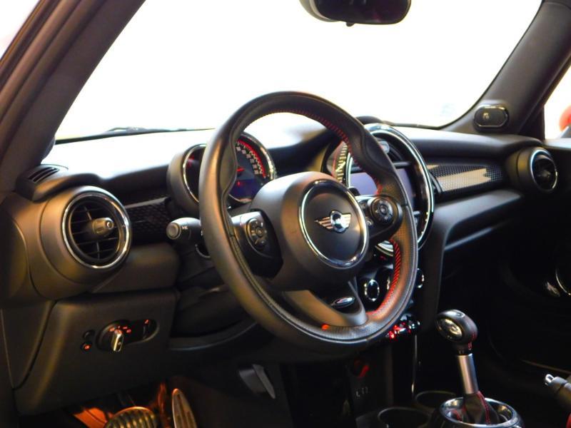 Photo 8 de l'offre de MINI Mini John Cooper Works 231ch BVAS à 30900€ chez Autovia Véhicules Multimarques