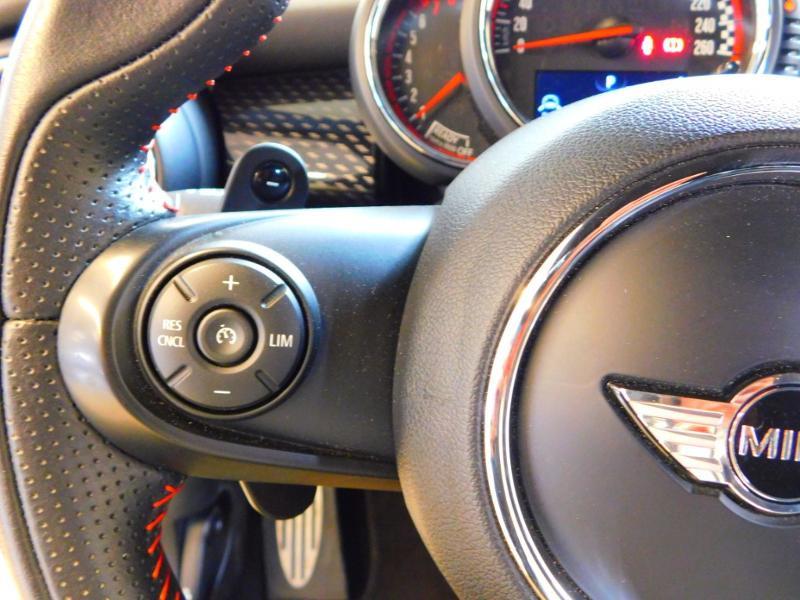 Photo 15 de l'offre de MINI Mini John Cooper Works 231ch BVAS à 30900€ chez Autovia Véhicules Multimarques