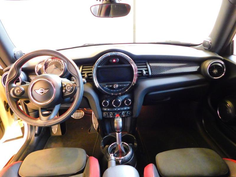 Photo 2 de l'offre de MINI Mini John Cooper Works 231ch BVAS à 30900€ chez Autovia Véhicules Multimarques