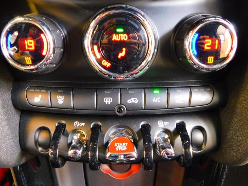 Photo 18 de l'offre de MINI Mini John Cooper Works 231ch BVAS à 30900€ chez Autovia Véhicules Multimarques