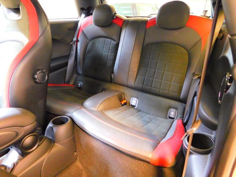 Photo 3 de l'offre de MINI Mini John Cooper Works 231ch BVAS à 30900€ chez Autovia Véhicules Multimarques