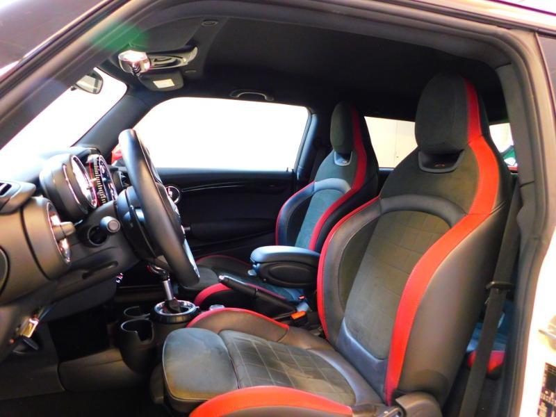 Photo 10 de l'offre de MINI Mini John Cooper Works 231ch BVAS à 30900€ chez Autovia Véhicules Multimarques