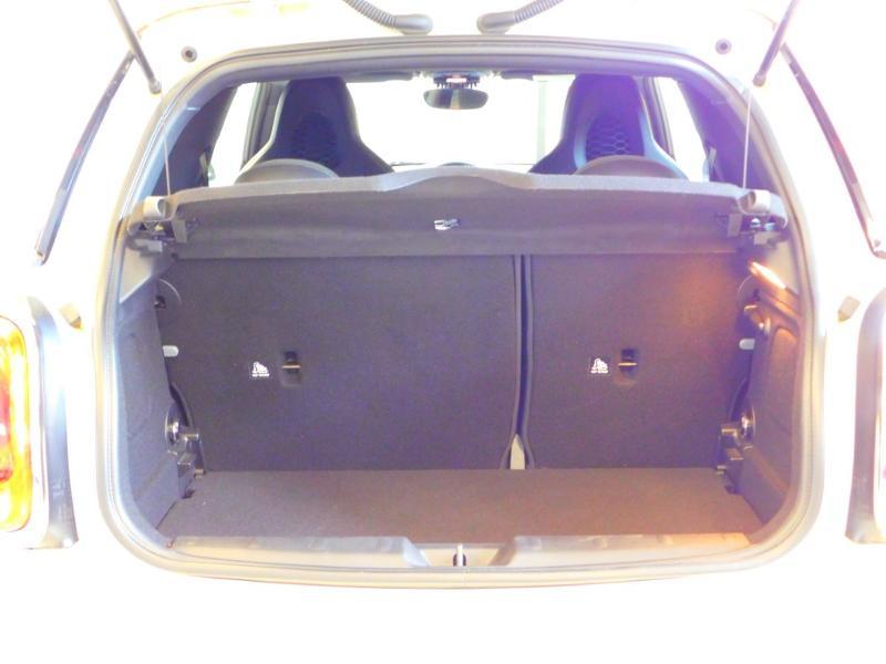 Photo 4 de l'offre de MINI Mini John Cooper Works 231ch BVAS à 30900€ chez Autovia Véhicules Multimarques