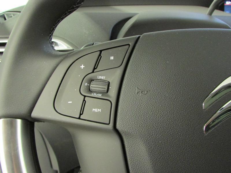 Photo 24 de l'offre de CITROEN Grand C4 Picasso BlueHDi 120ch Shine S&S EAT6 à 17990€ chez Autovia Véhicules Multimarques