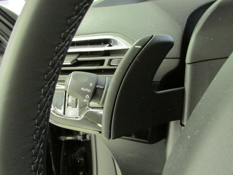 Photo 22 de l'offre de CITROEN Grand C4 Picasso BlueHDi 120ch Shine S&S EAT6 à 17990€ chez Autovia Véhicules Multimarques
