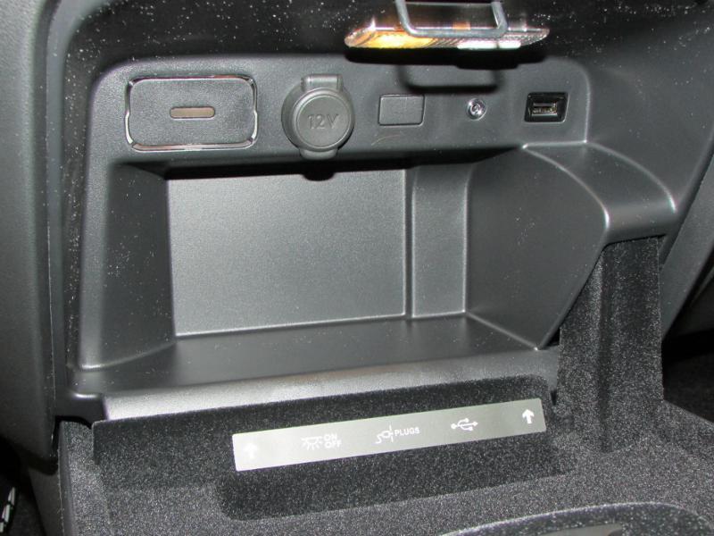 Photo 36 de l'offre de CITROEN Grand C4 Picasso BlueHDi 120ch Shine S&S EAT6 à 17990€ chez Autovia Véhicules Multimarques