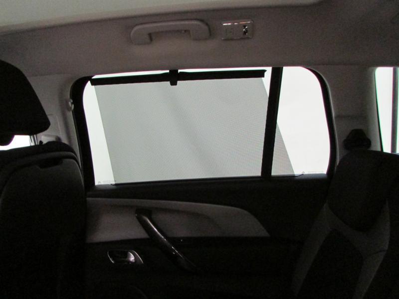 Photo 18 de l'offre de CITROEN Grand C4 Picasso BlueHDi 120ch Shine S&S EAT6 à 17990€ chez Autovia Véhicules Multimarques