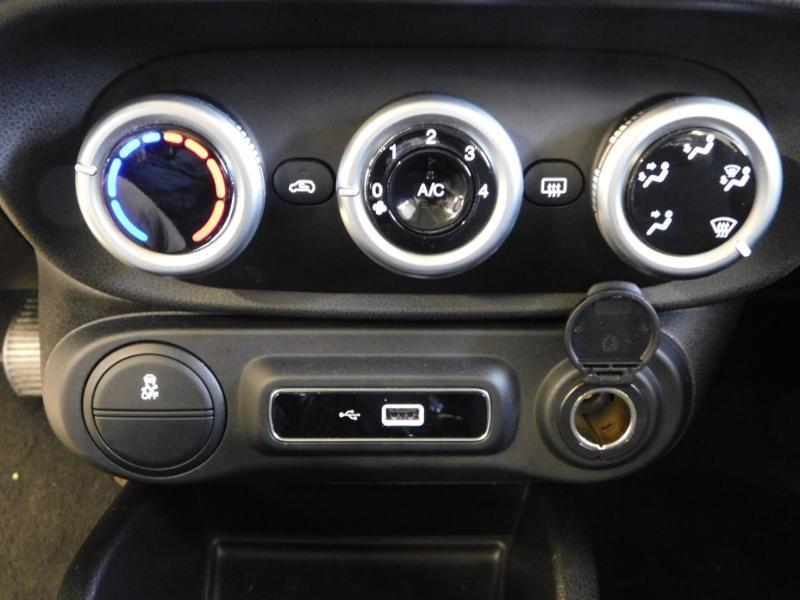 Photo 18 de l'offre de FIAT 500L 0.9 8v TwinAir 105ch S&S Lounge à 14590€ chez Autovia Véhicules Multimarques