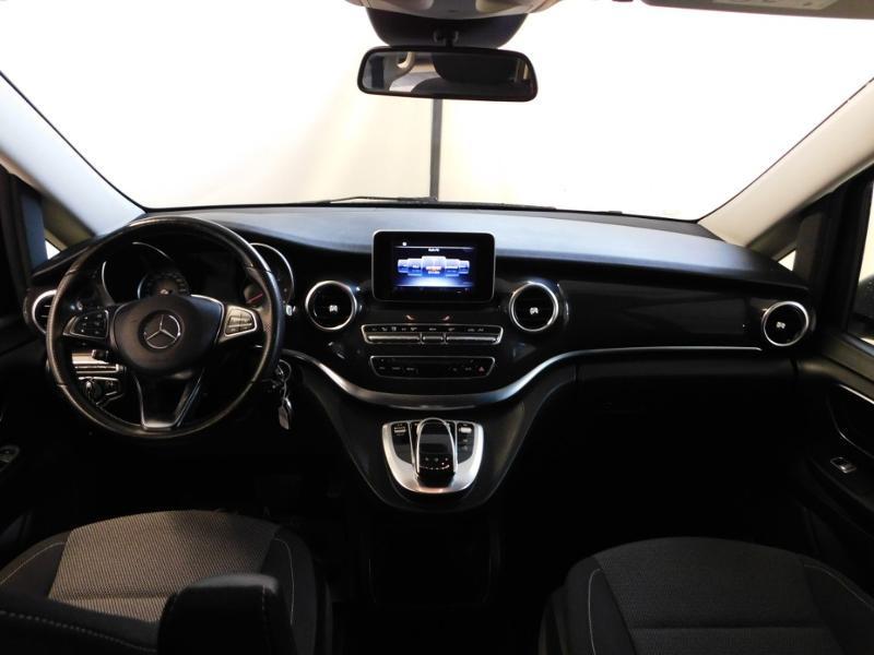 Photo 2 de l'offre de MERCEDES-BENZ Classe V 220 CDI Long 7G-Tronic Plus à 34900€ chez Autovia Véhicules Multimarques