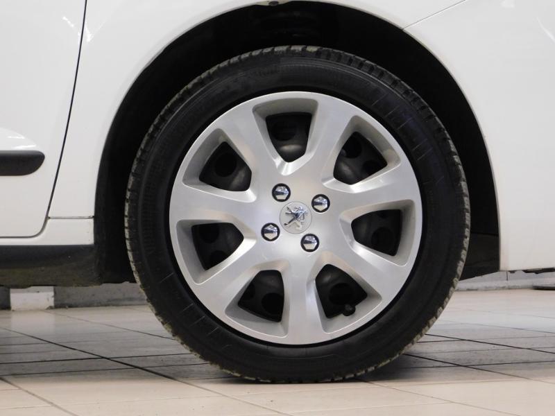 Photo 5 de l'offre de PEUGEOT 3008 1.6 BlueHDi 120ch Business S&S à 13890€ chez Autovia Véhicules Multimarques