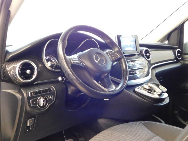 Photo 12 de l'offre de MERCEDES-BENZ Classe V 220 CDI Long 7G-Tronic Plus à 34900€ chez Autovia Véhicules Multimarques