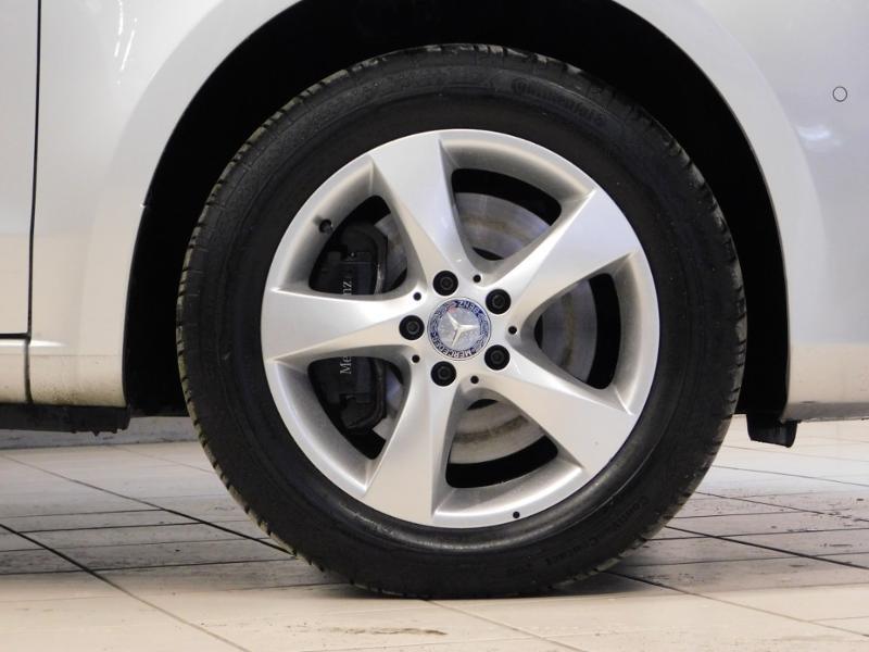 Photo 5 de l'offre de MERCEDES-BENZ Classe V 220 CDI Long 7G-Tronic Plus à 34900€ chez Autovia Véhicules Multimarques