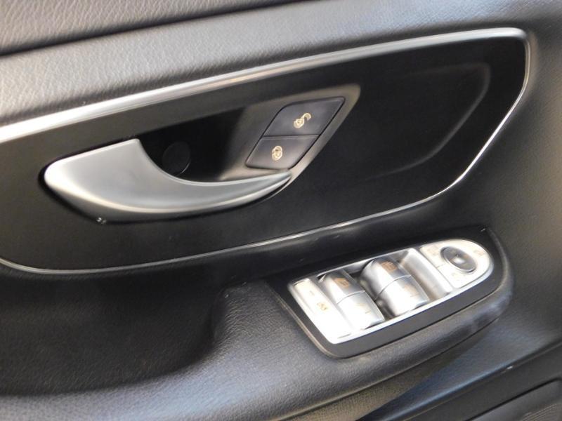 Photo 15 de l'offre de MERCEDES-BENZ Classe V 220 CDI Long 7G-Tronic Plus à 34900€ chez Autovia Véhicules Multimarques