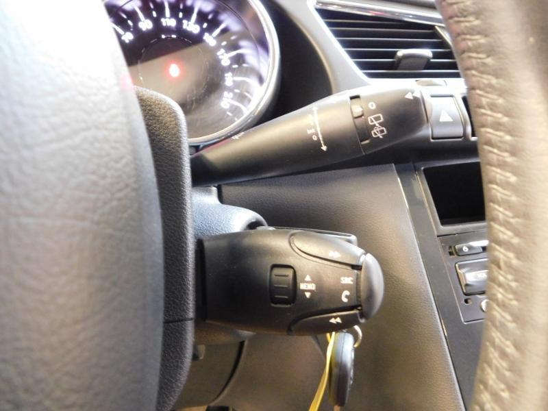Photo 15 de l'offre de PEUGEOT 3008 1.6 BlueHDi 120ch Business S&S à 13890€ chez Autovia Véhicules Multimarques