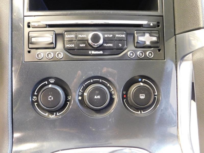 Photo 16 de l'offre de PEUGEOT 3008 1.6 BlueHDi 120ch Business S&S à 13890€ chez Autovia Véhicules Multimarques