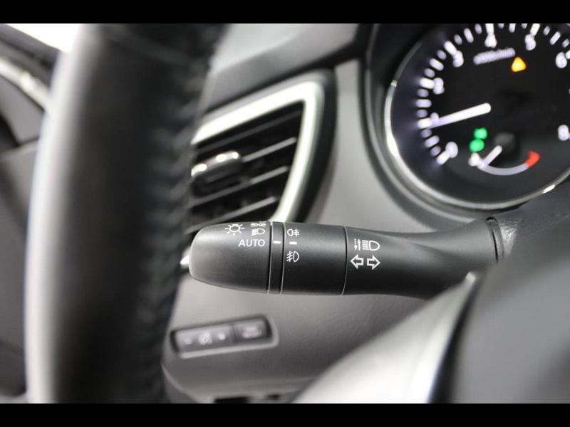 Photo 22 de l'offre de NISSAN Qashqai 1.2L DIG-T 115ch Connect Edition à 17990€ chez Autovia Véhicules Multimarques