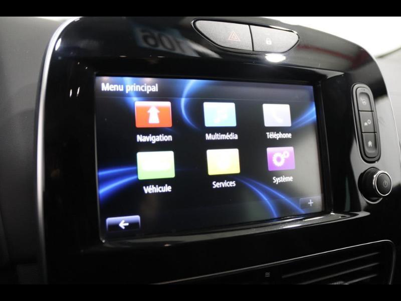 Photo 11 de l'offre de RENAULT Clio 1.2 TCe 120ch energy Initiale Paris EDC 5p à 16990€ chez Autovia Véhicules Multimarques