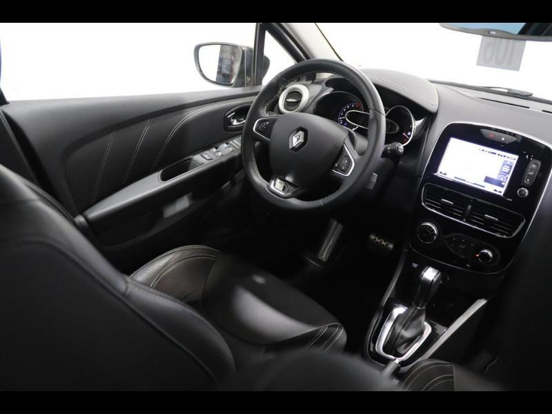 Photo 2 de l'offre de RENAULT Clio 1.2 TCe 120ch energy Initiale Paris EDC 5p à 16990€ chez Autovia Véhicules Multimarques