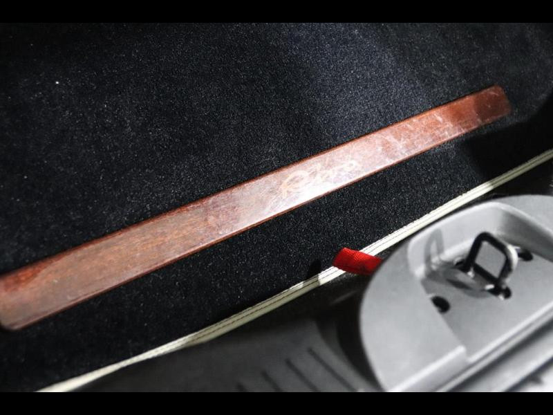 Photo 11 de l'offre de FIAT 500 1.3 Multijet 16v 95ch DPF S&S Riva (volant bois) à 15990€ chez Autovia Véhicules Multimarques