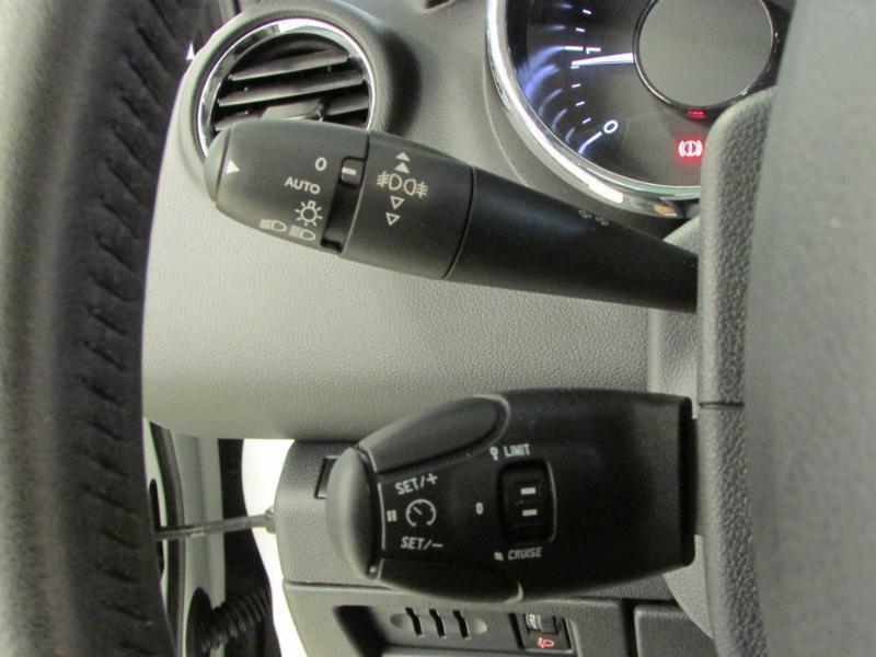 Photo 16 de l'offre de PEUGEOT 3008 1.6 BlueHDi 120ch Allure S&S à 14290€ chez Autovia Véhicules Multimarques
