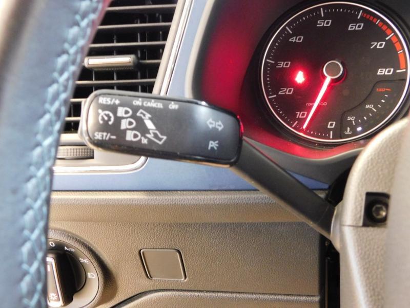 Photo 15 de l'offre de SEAT Leon 1.2 TSI 110ch Connect Start&Stop à 12990€ chez Autovia Véhicules Multimarques