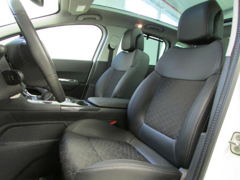 Photo 12 de l'offre de PEUGEOT 3008 1.6 BlueHDi 120ch Allure S&S à 14290€ chez Autovia Véhicules Multimarques