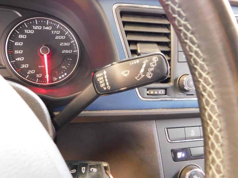 Photo 20 de l'offre de SEAT Leon 1.2 TSI 110ch Connect Start&Stop à 12990€ chez Autovia Véhicules Multimarques