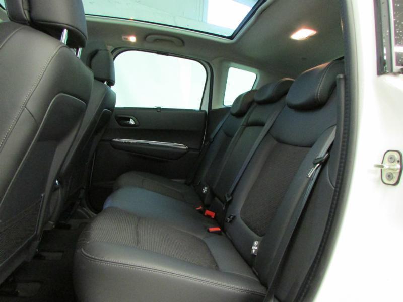 Photo 9 de l'offre de PEUGEOT 3008 1.6 BlueHDi 120ch Allure S&S à 14290€ chez Autovia Véhicules Multimarques