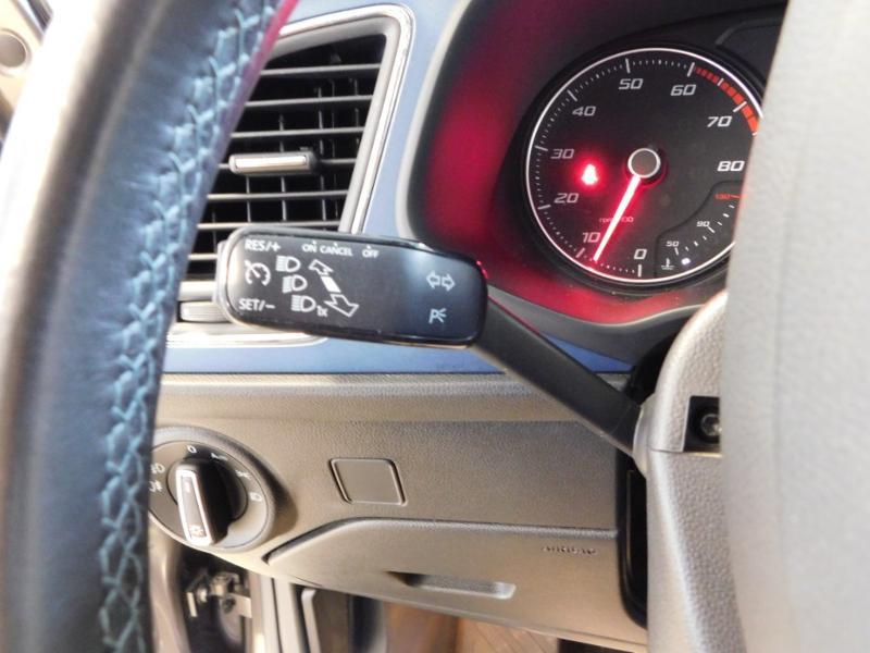 Photo 19 de l'offre de SEAT Leon 1.2 TSI 110ch Connect Start&Stop à 12990€ chez Autovia Véhicules Multimarques